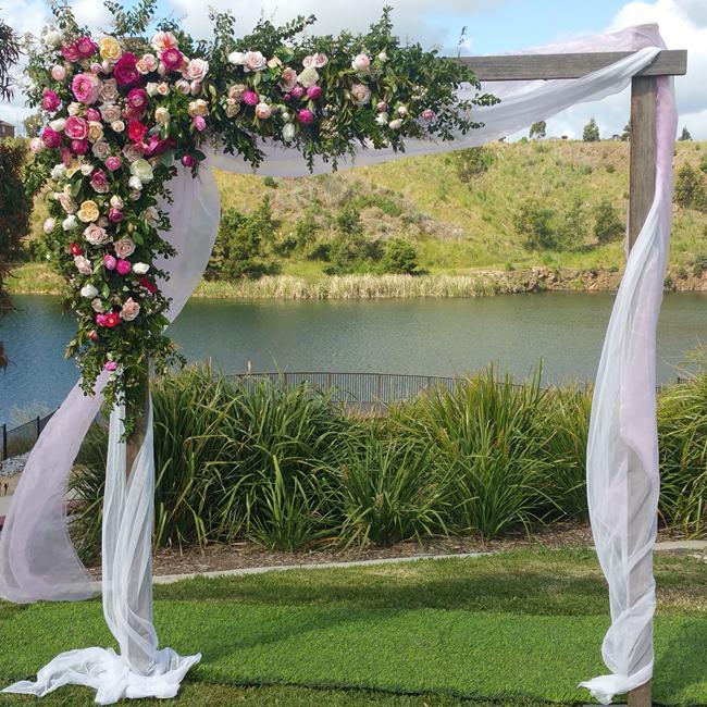 Resultado de imagem para FLORAL ARCHES FOR WEDDING