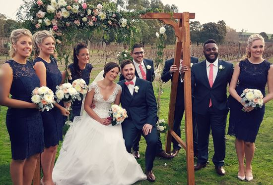 Phoo booth wedding swing