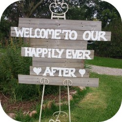 rustic wedding signs and blackboards