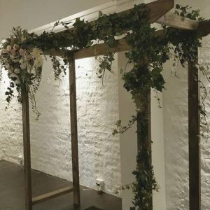 woode rustic wedding arches